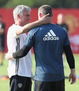 20 Juli 2016 di Shanghai, China. Rooney harus rela dipasang oleh Mourinho sebagai pemain tengah, bukan striker.