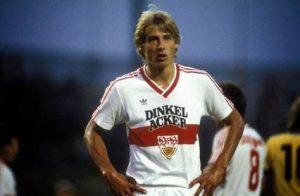 Tahun 1986 dalam satu pertandingan Klinsmann pernah mencetak 5 gol hanya dalam kurun waktu 30 menit.